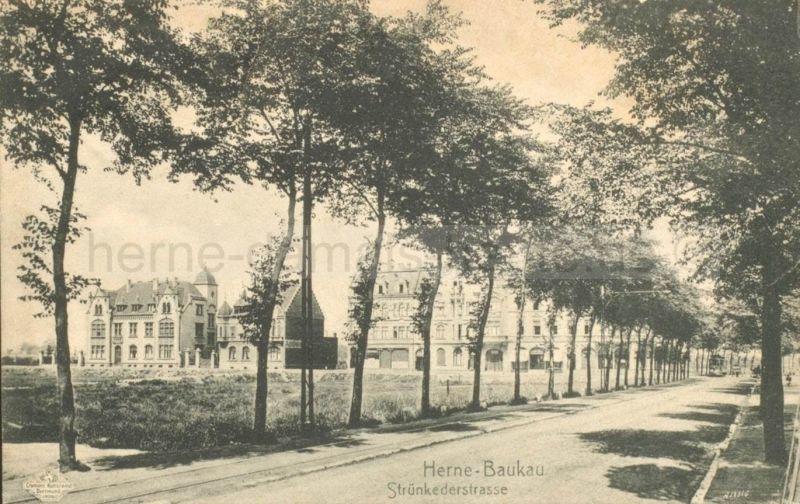 Ansicht des repräsentativen Baukauer Zentrums, 1906. Links sieht man das Baukauer Amtshaus. Die Strünkeder Straße heißt nun Bahnhofstraße. Foto Stadtarchiv Herne