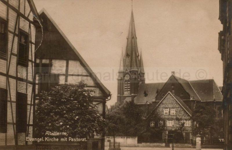 Die evangelische Hauptkirche mit Pastorat, um 1928, Foto Stadtarchiv Herne