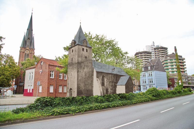 Dionysius- und Kreuzkirche, Foto Gerd Biedermann, Fotomontage Edda Reffelmann, September 2017