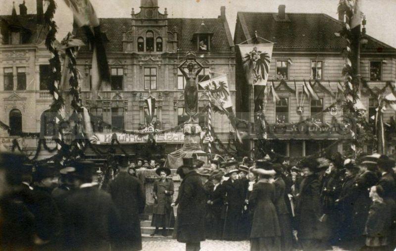 Feierliche Einweihung des Hohenzollern-Brunnens, 13. November 1909, Foto Stadtarchiv Herne
