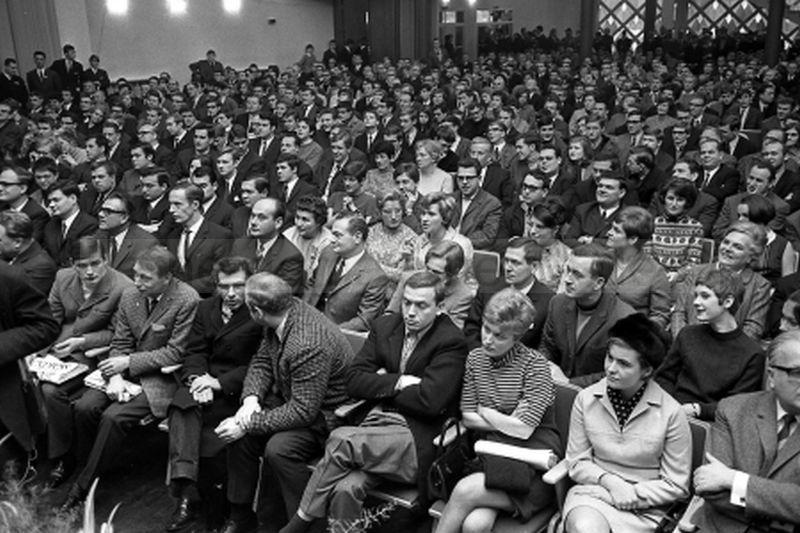 Großes Interesse sorgte für einen überfüllten Saal in der Wattenscheider Stadthalle, Foto Norbert Kozicki, 1968