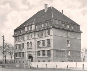 Katholische und evangelische Volksschule Vellwigstraße, jetzt Grundschule an der Vellwigstraße, 1950er-Jahre, Foto Stadtarchiv Herne