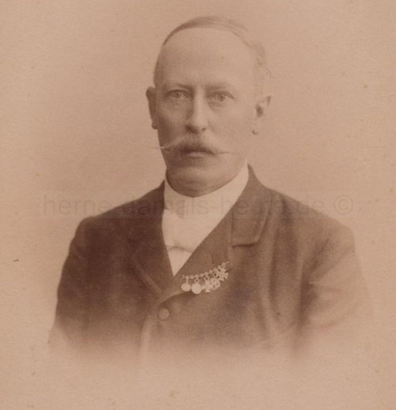Porträtaufnahme von Hermann Schaefer, 1895, Foto Stadtarchiv Herne
