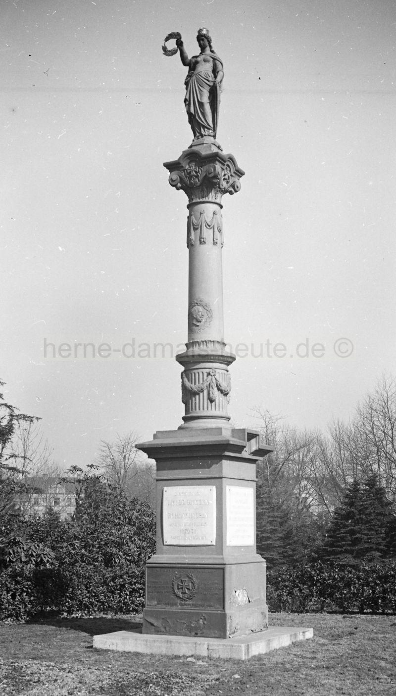 Siegessäule, 1920er Jahre, Foto Stadtarchiv Herne