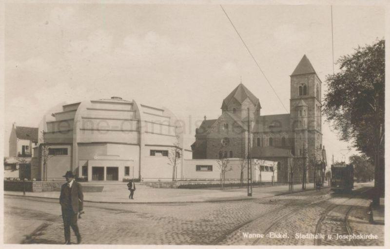 Stadthalle Wanne-Eickel und Josephskirche, gelaufen 1930, Foto Stadtarchiv Herne