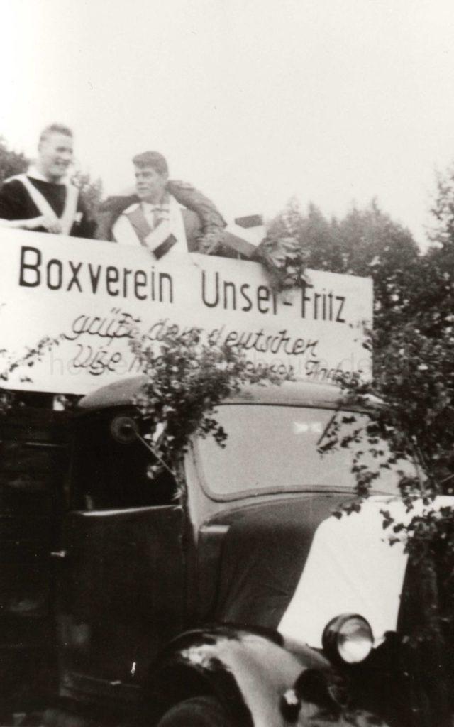 Empfang in Wanne-Eickel nach Rückkehr aus München mit dem Titel eines Deutschen Vizemeisters, Repro Norbert Kozicki