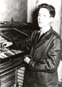 Hans Erhard Ploner an seinem ersten Arbeitstag als Setzerlehrling bei der Wanne-Eickeler Zeitung, Foto Norbert Kozicki