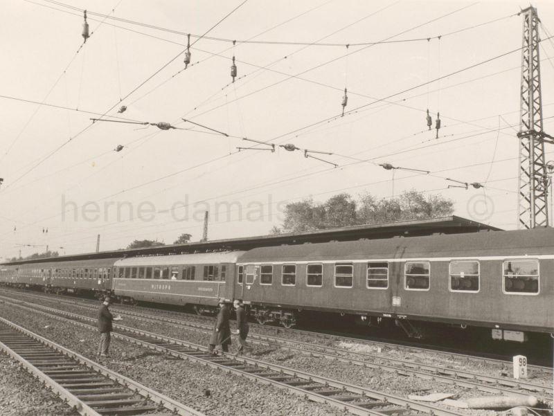 Zug mit MITROPA-Speisewagen, 23.09.1960, Foto Stadtarchiv Herne