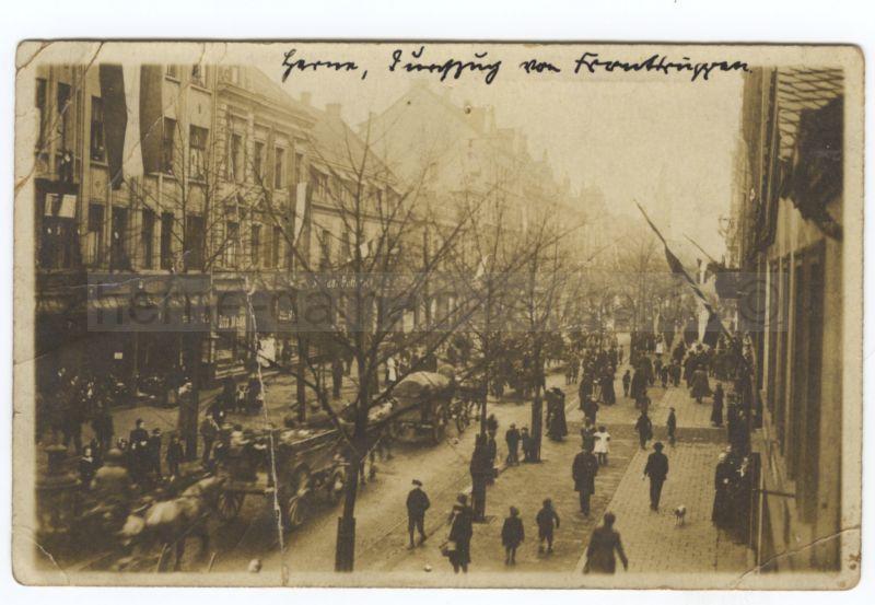 Durchmarsch von Fronttruppen über die Bahnhofstraße, 1919