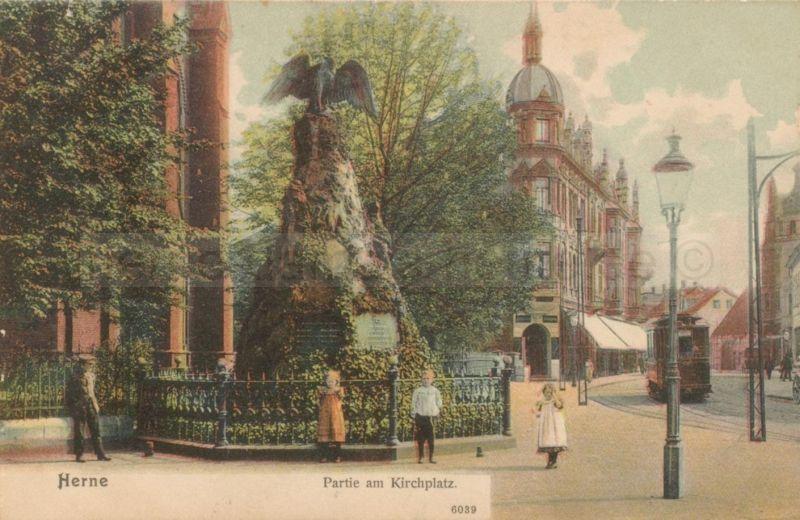 Postkartenansicht des Kriegerdenkmals, Foto Stadtarchiv Herne