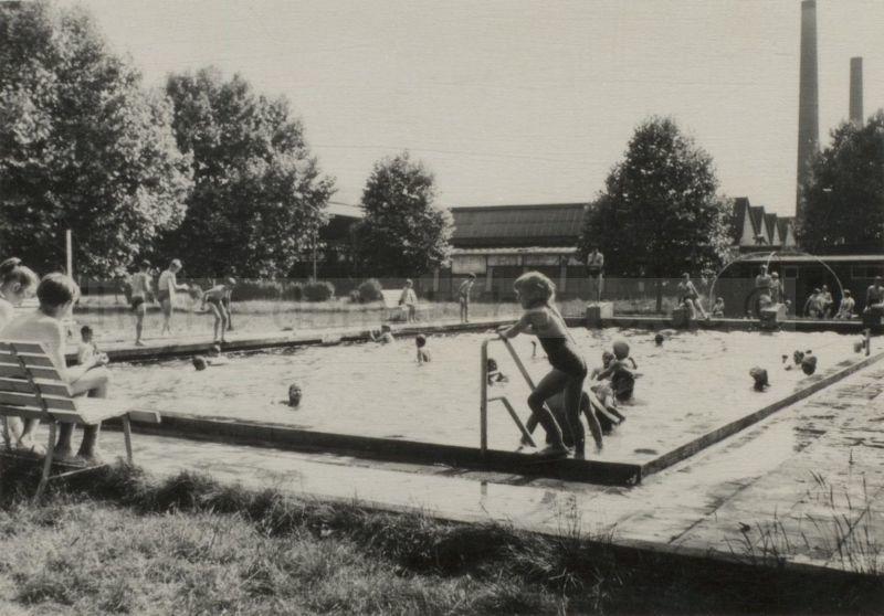 Das von Dorn-Beschäftigten angelegte Werksschwimmbad, 1954, Repro Stadtarchiv Herne