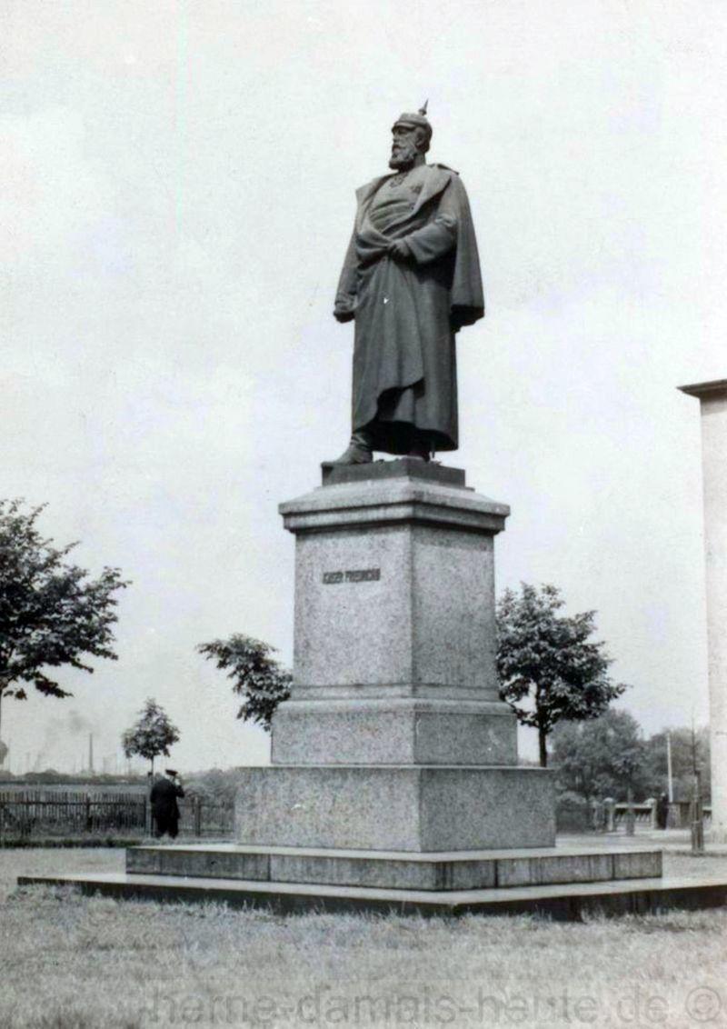 Kaiser-Friedrich-Denkmal in Wanne, Foto Stadtarchiv