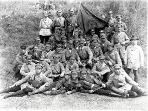 Rotfrontkämpferbund von Wanne-Eickel, vorn rechts sitzend Heinrich Hoff, Repro Norbert Kozicki