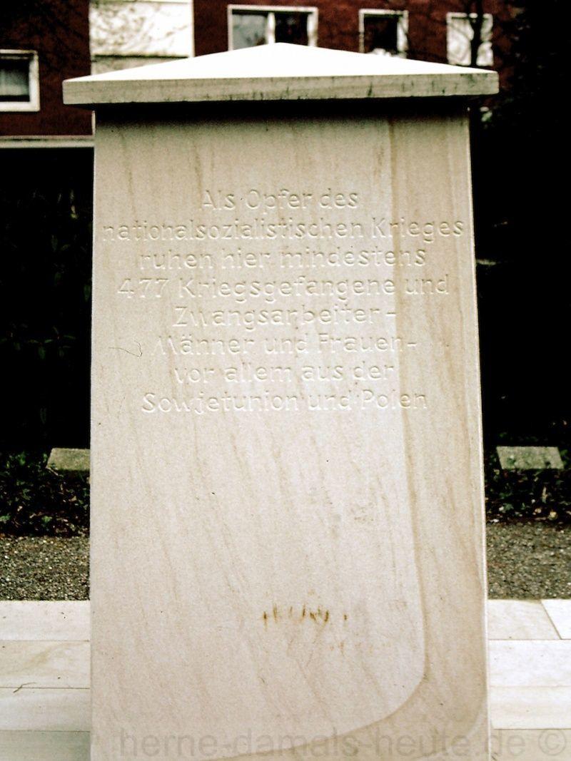 Zum Gedenken an die Kriegsgefangenen und Zwangsarbeiter in Herne, 2008, Foto Stadtarchiv Herne