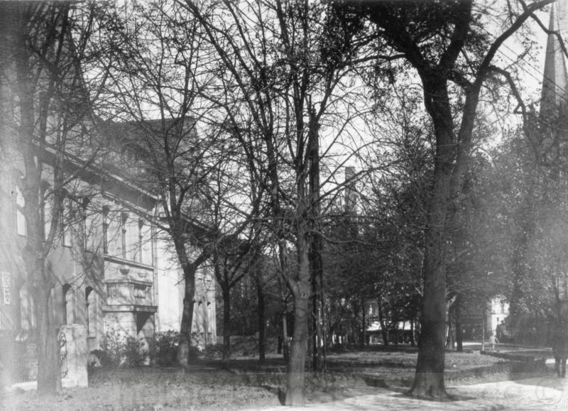 Die ehemalige evangelische Schule auf der linken Seite, Repro Stadtarchiv Herne