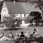 Rast im Garten des Hauses Kranenberg, 1960er Jahre, Repro Gerd Biedermann