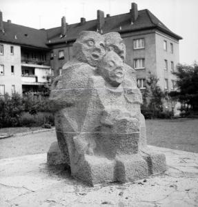 'Das Tor' II, 1960, Foto Rolf Baumann, Bildarchiv Herne